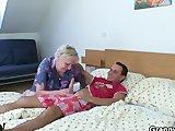 Oma erlebt den Spontan Fick